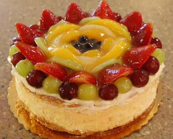 fruit-topped_cheesecake