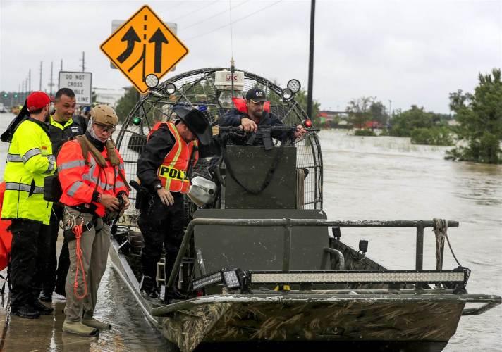 hurricane-harvey-uniformed-police